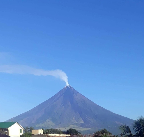 Miss Universe 2018 Perfect Cone Mayon Volcana